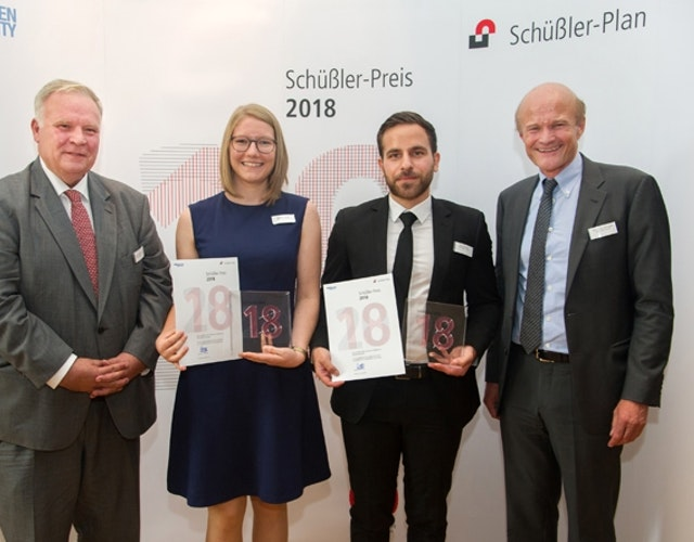 Preisverleihung 2018: v.l.n.r. Norbert Schüßler, Annkathrin Sinning, Hassan Khanafer, Josef Hegger