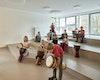 Die offene Lernlandschaft gegenüber dem Musikraum bietet Platz für sehr unterschiedliche Nutzungen.