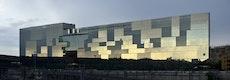 Auf der Westseite beeindruckt der neue BNL BNP Paribas-Hauptsitz mit einer verglasten Elementfassade von 15.000 Quadratmetern Größe.