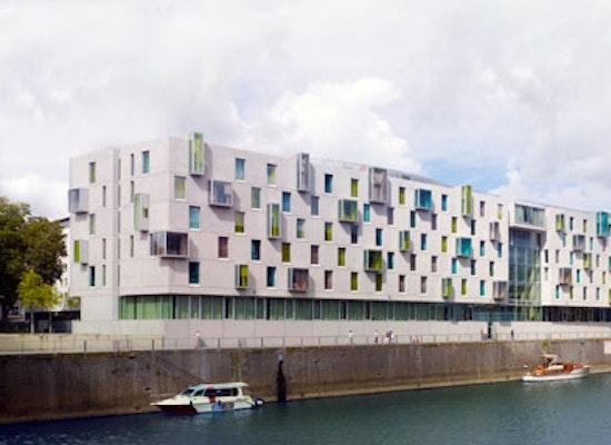 projekt art 39 otel k ln rheinauhafen competitionline. Black Bedroom Furniture Sets. Home Design Ideas