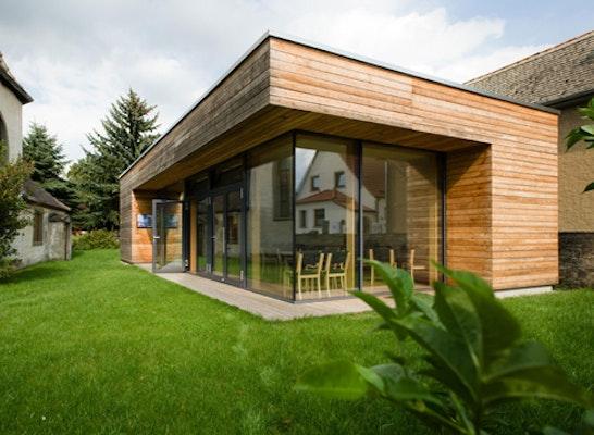 """Thüringer Holzbaupreis 2011: Gemeindehaus """"Foyer Telemann"""" in Wormstedt"""