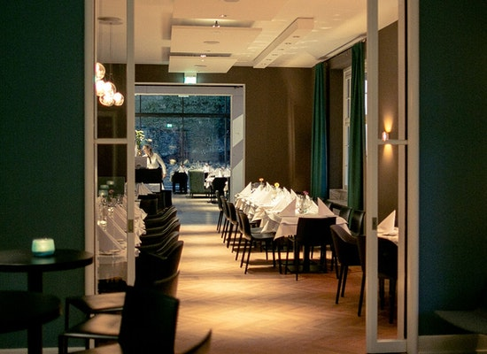 Project restaurant kosmos villa humboldt l densch for Kitzig interior design gmbh