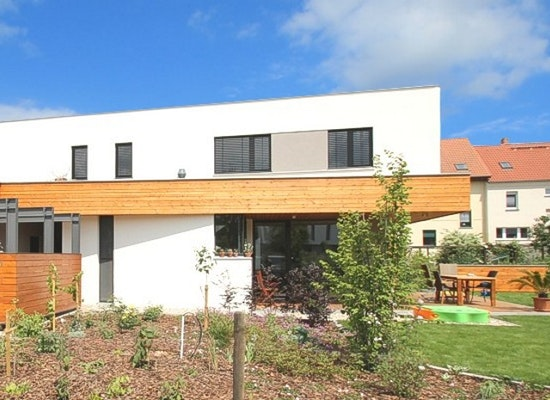 projekt neubau einfamilienhaus mit carport competitionline. Black Bedroom Furniture Sets. Home Design Ideas